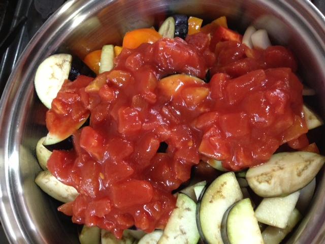 缶トマト写真