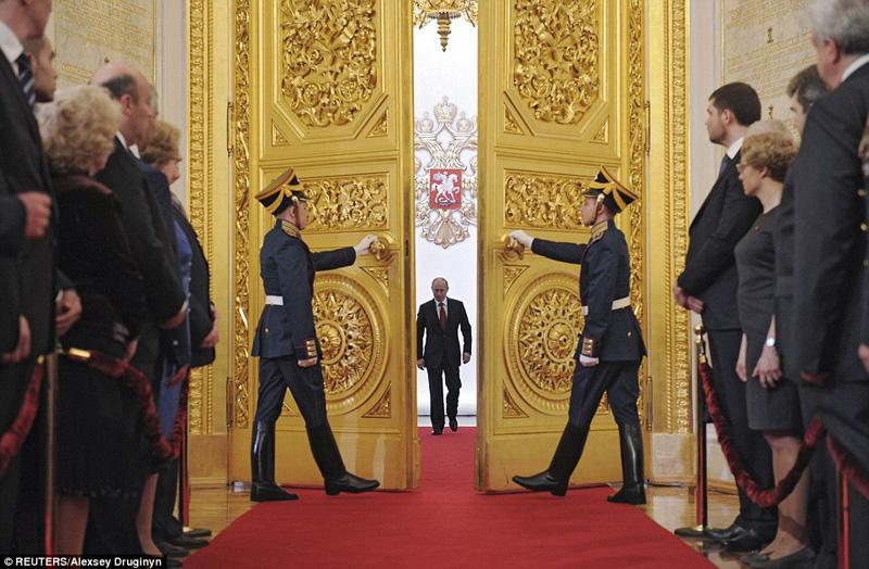 プーチン登場
