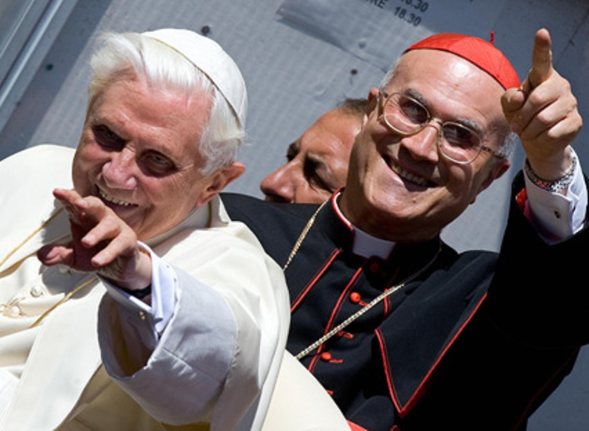 法王と側近