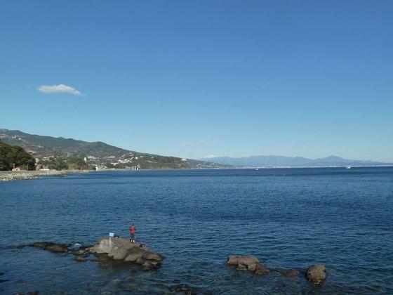 真鶴港から相模湾を眺める