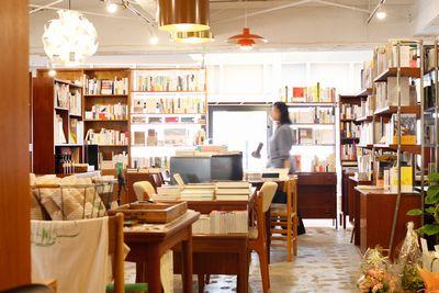 特徴のある小さな本屋が都内に何件かオープン