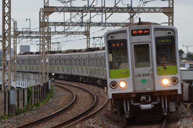 都営10-220F 区間急行 若葉台
