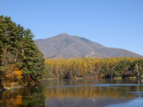 飯綱湖の紅葉