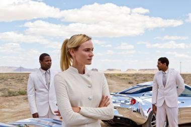 『ザ・ホスト 美しき侵略者』  シーカーたちはなぜか白い服を着ている。