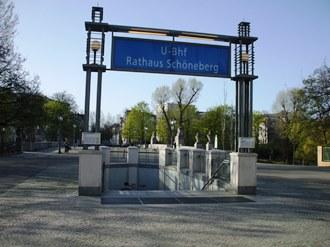 rathausschoneberg2.jpg