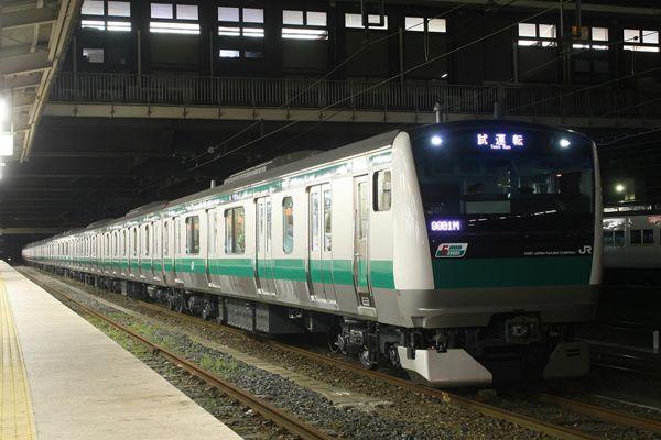 埼京線E233系 6ドア入り