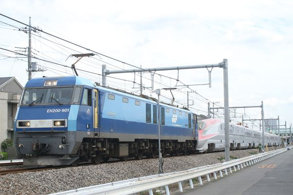 EH200-901+E6系 Z10編成