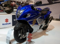 2015-suzuki-gsx1300r-hayabusa-has-abs-at-eicma-2014-live-photos-88513_1.jpg