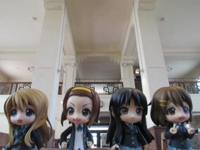 展示室と四人