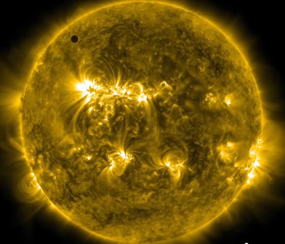 太陽通過金星