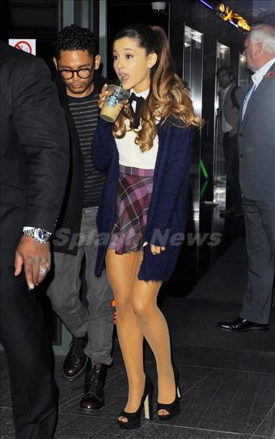 Ariana_Grande_131114_01.jpg