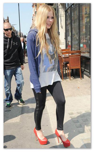 Avril_Lavigne_130610_04.jpg