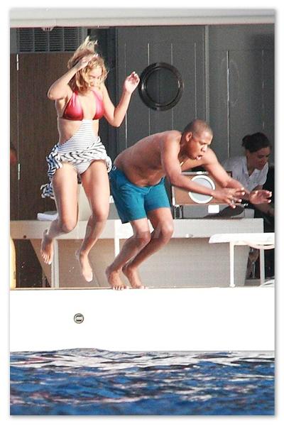 Beyonce_130910_03.jpg