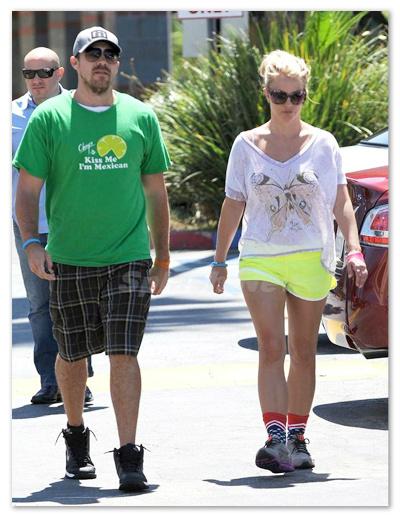 Britney_Spears_130828_03.jpg