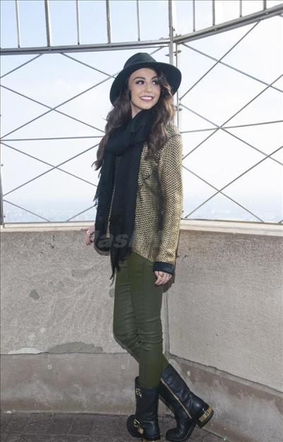 Cher_Lloyd_131023-04.jpg