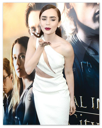 Lily_Collins_130816_04.jpg