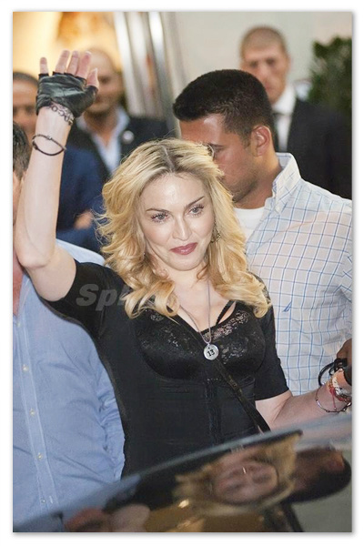 Madonna_130826_03.jpg