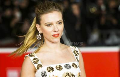 Scarlett_Johansson_131114_01.jpg