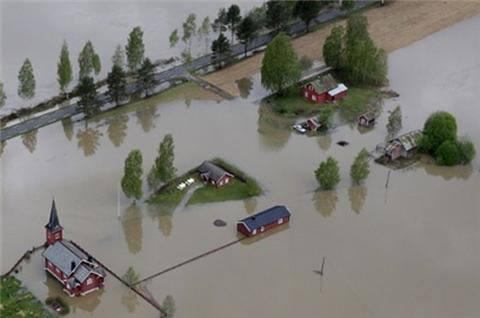 300546_476530152417519_1232451382_n2013 年 5 月 28 日-ノルウェー - 洪水東部ノルウェー