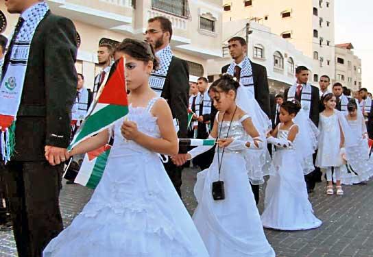 20111214130835_16_5イエメンの児童婚 8歳少女とおっさんとの