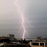 短小包茎美仁本東京の雷写真