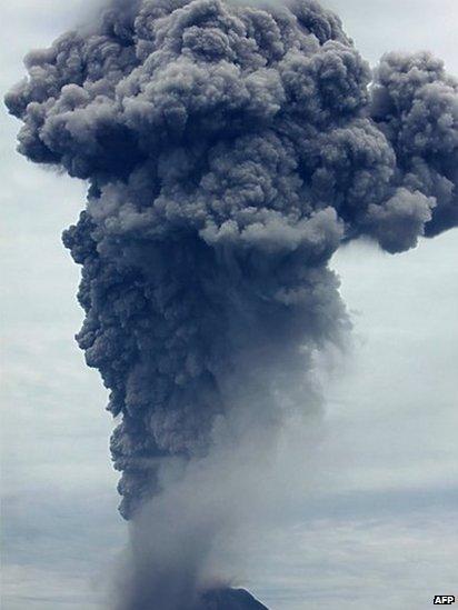 _69892209_69890398North Sumatra Sinabung Volcano