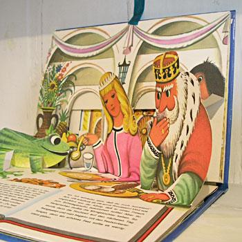 チェコの仕掛け絵本』 身カエルの王様(ドイツ9629803_o3