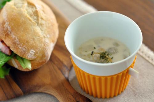 あさりとごぼうとたまねぎの味噌ミルクスープ