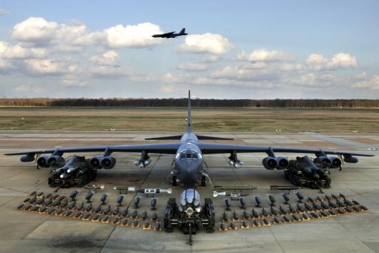 B-52H_static_display_arms_06.jpg