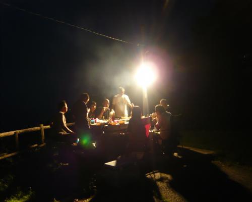 夜のBBQ