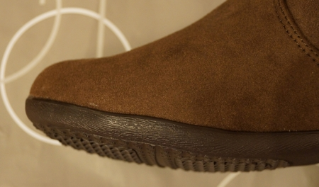 ラクチンきれいブーツのソールは木目調のようになっています。