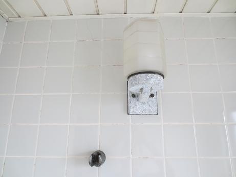 4F浴室照明、シャワーフック