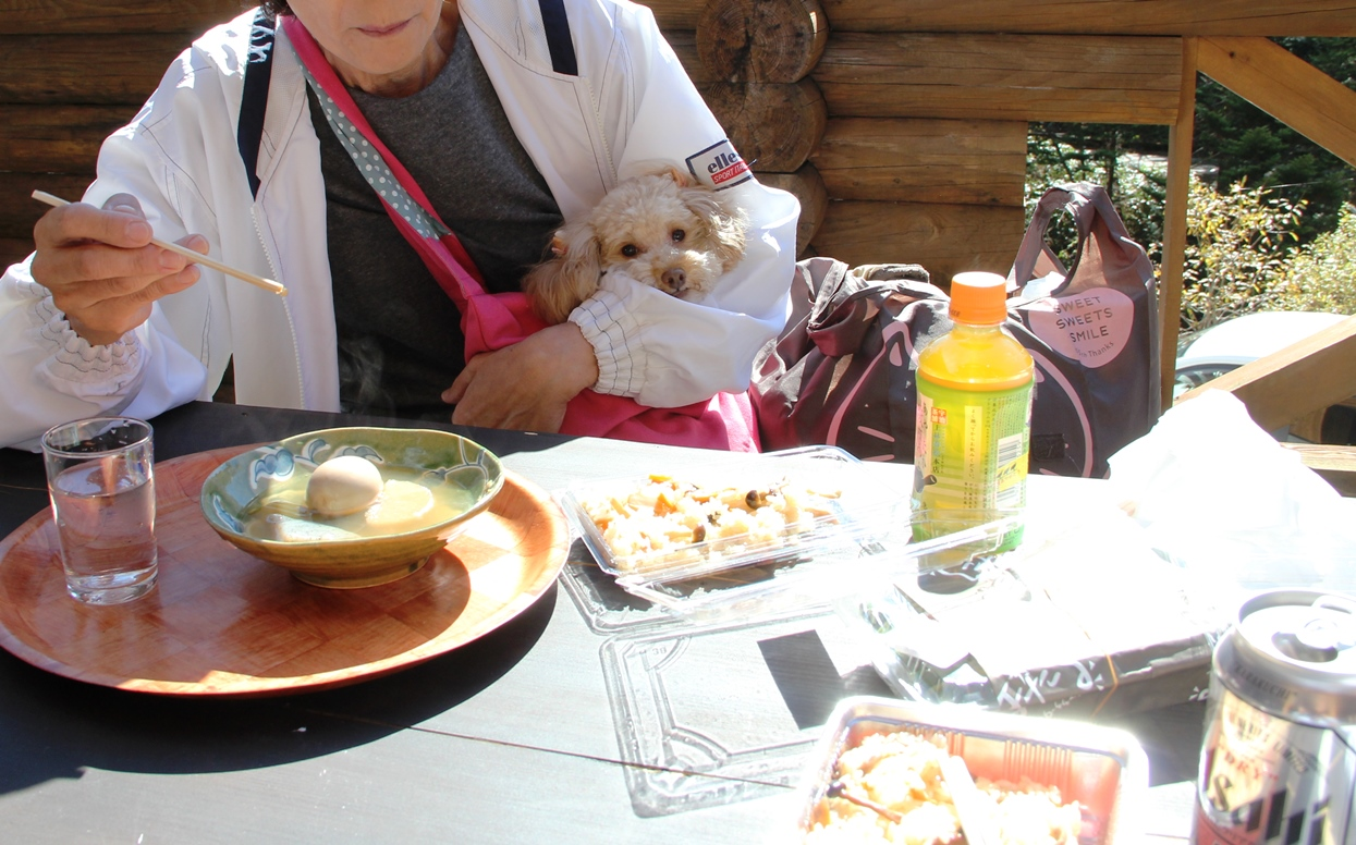 萬岳荘で昼食