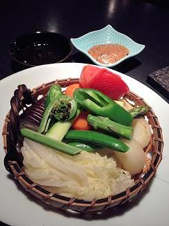06無農薬野菜の蒸籠蒸し 和風バーニャカウダーソースで (2)
