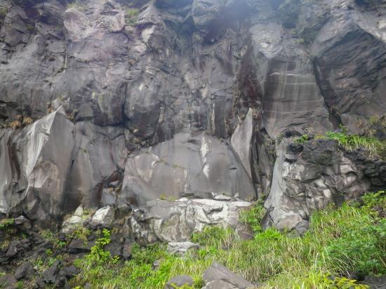 三原最大のアア溶岩露頭