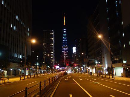 1号線から見たタワー