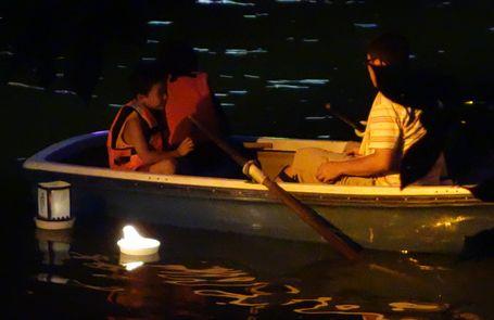 親子連れのボート