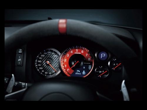 2015-Nissan-GT-R-NISMO-Interior-01