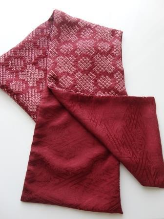 臙脂色絞り染めスカーフ