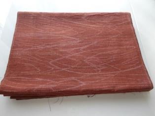 レンガ色手織真綿紬