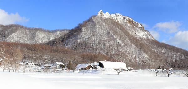 八剣山_パノラマ1