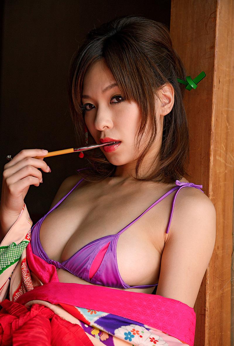 かすみ果穂 | 綺麗なお姉さん。~AV女優のグラビア写真集~