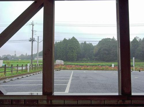 雨のログハウス (2)