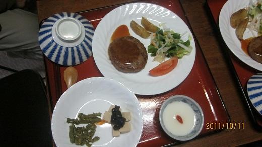 山小屋の夕食