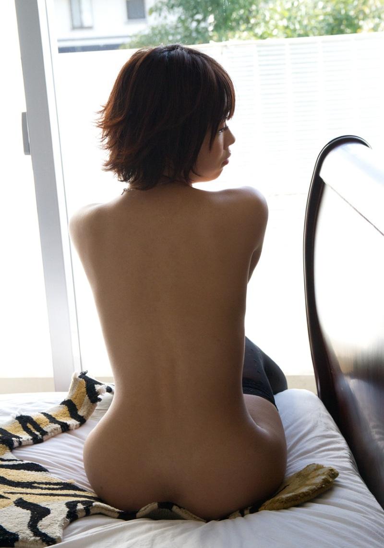 ヌード 背中 画像 21