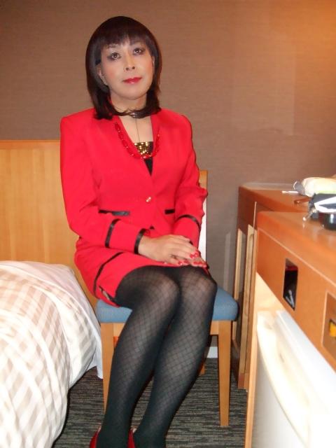 080130赤スーツ(1)
