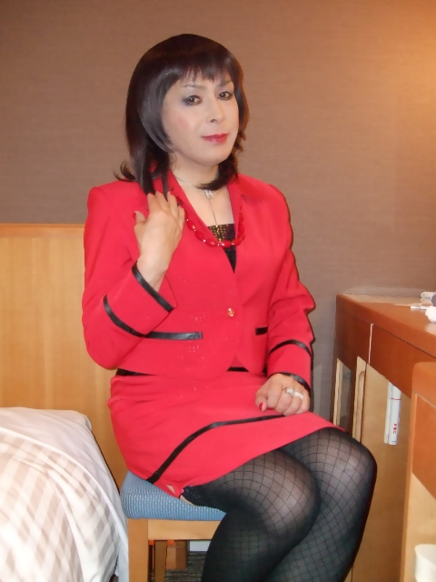 080130赤スーツ(2)