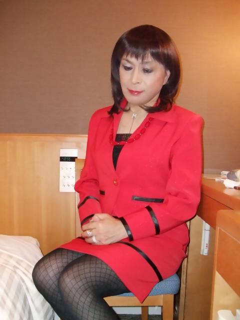 080130赤スーツ(3)