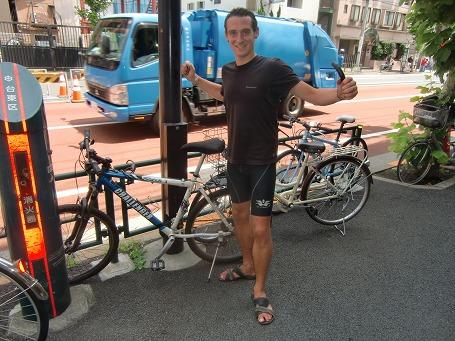 日本中を自転車で巡っていたフランス人