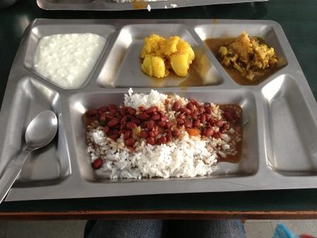 アシュラムの昼食